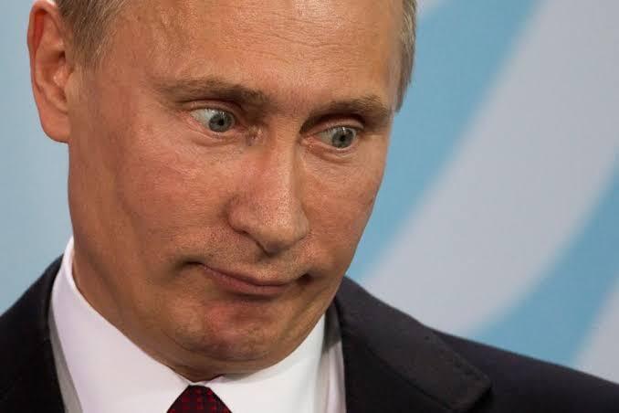 Viral Perawat Covid19 di Russia Hanya Gunakan Pakaian Dalam dan APD Transparan