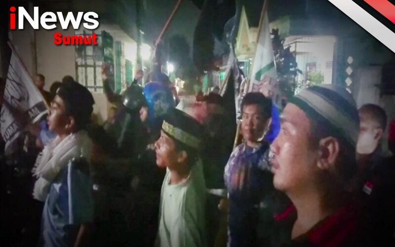 Desak Kedai Tuak Ditutup, Ratusan Warga dan Pemilik Kedai Nyaris Bentrok