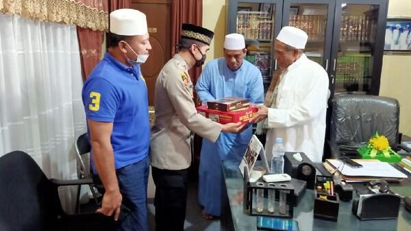 Habib Umar Assegaf Maafkan Satpol PP yang Nyaris Adu Pukul Dengannya