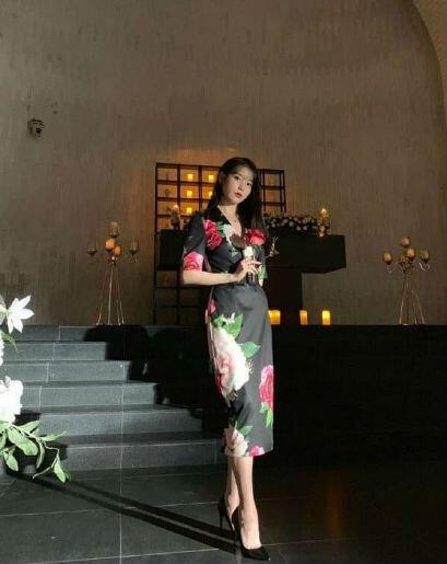 9 Gaya OOTD Mewah Nan Elegan Ala IU Dalam Drama Hotel Del Luna