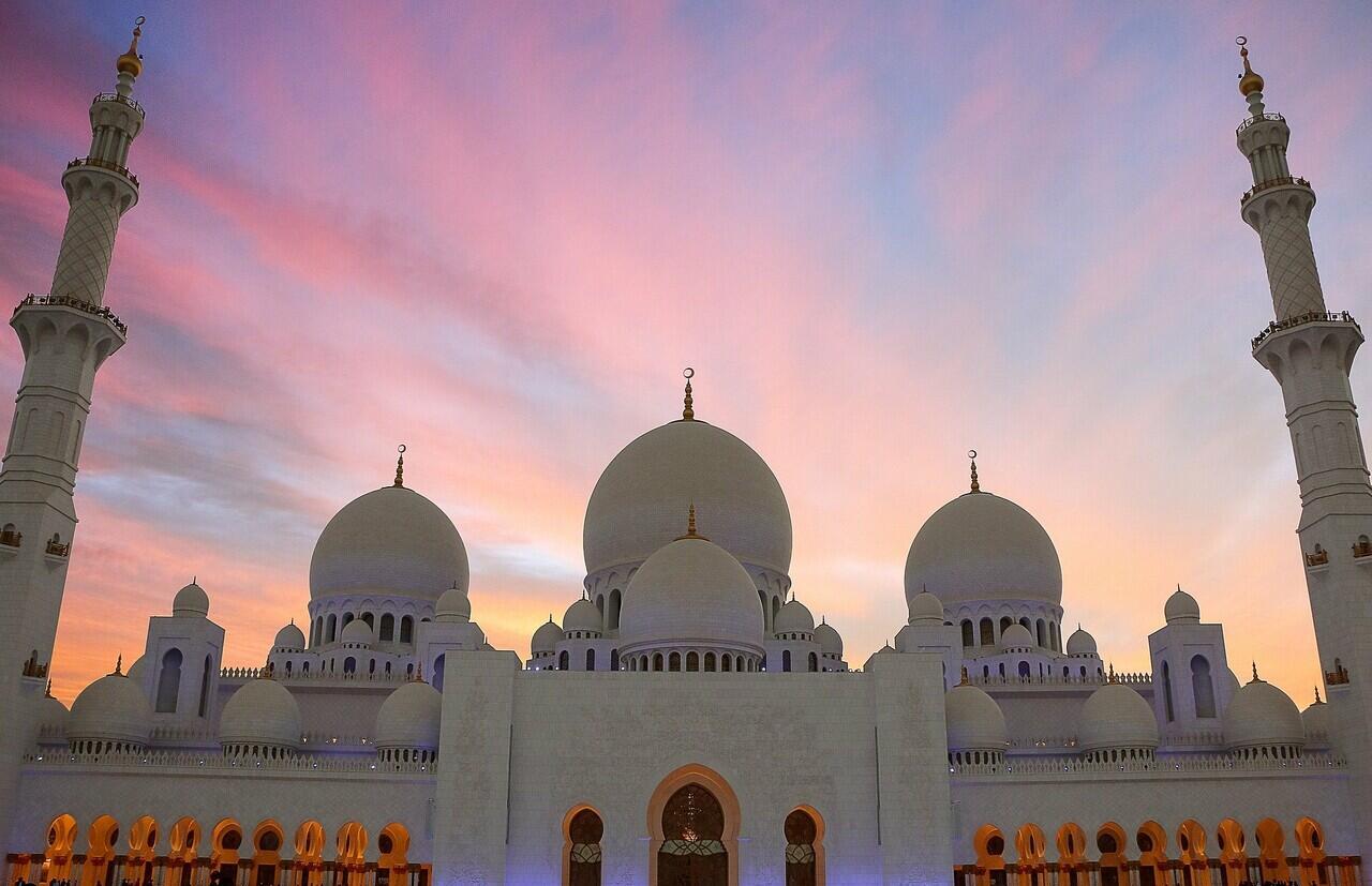 Indah, 5 Masjid Termegah Di Dunia Buat Kamu Ingin Mengunjunginya