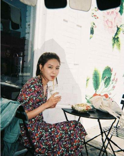 10 Inspirasi Outfit Dengan Dress Ala Sooyoung SNSD, Kekinian Banget!