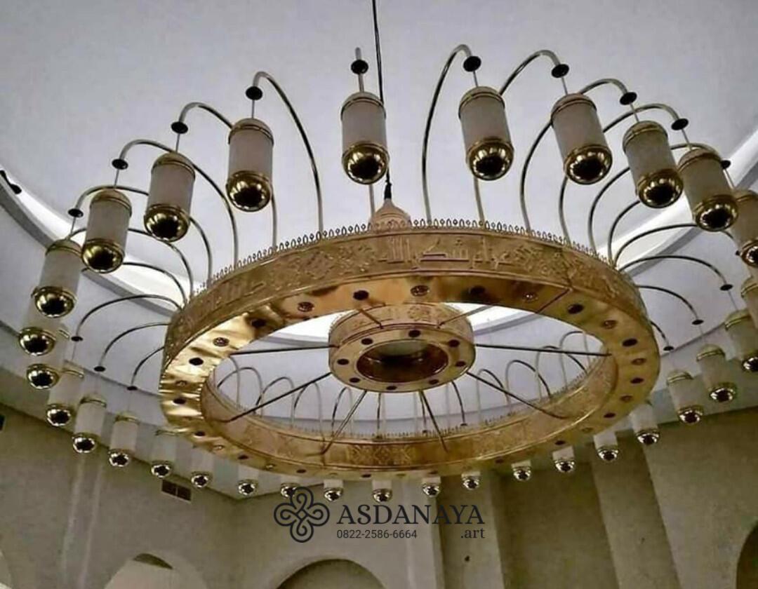 Replika Lampu Masjid Nabawi