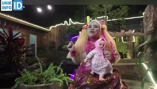 """Heboh Video Klip Lagu """"Keke Bukan Boneka"""" Trending 1 Youtube Indonesia! Wow Amazing"""