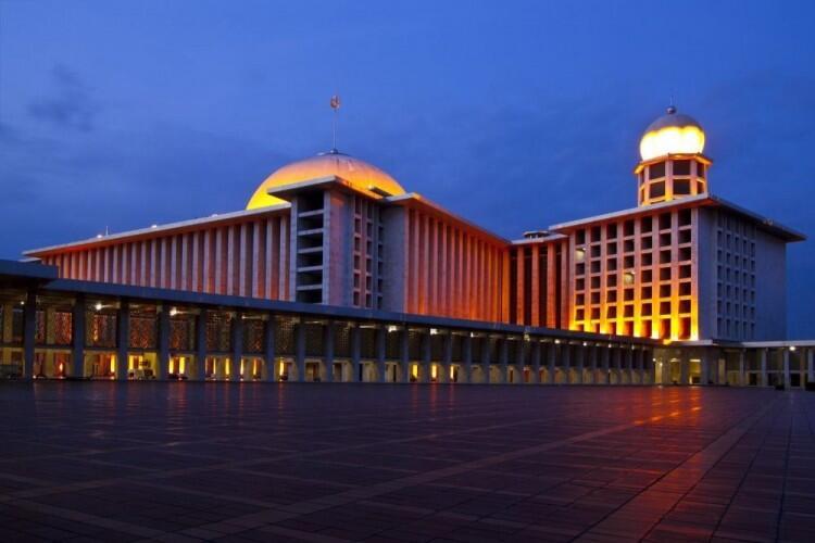 New Normal, Bagaimana Cara Sholat di Masjid yang Aman dan Benar?