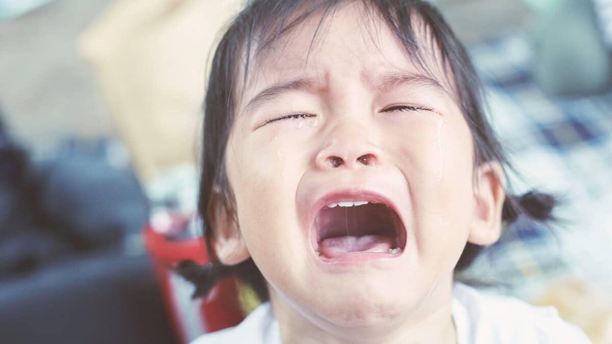 Bagaimana Menghadapi Anak yang Suka Menangis?
