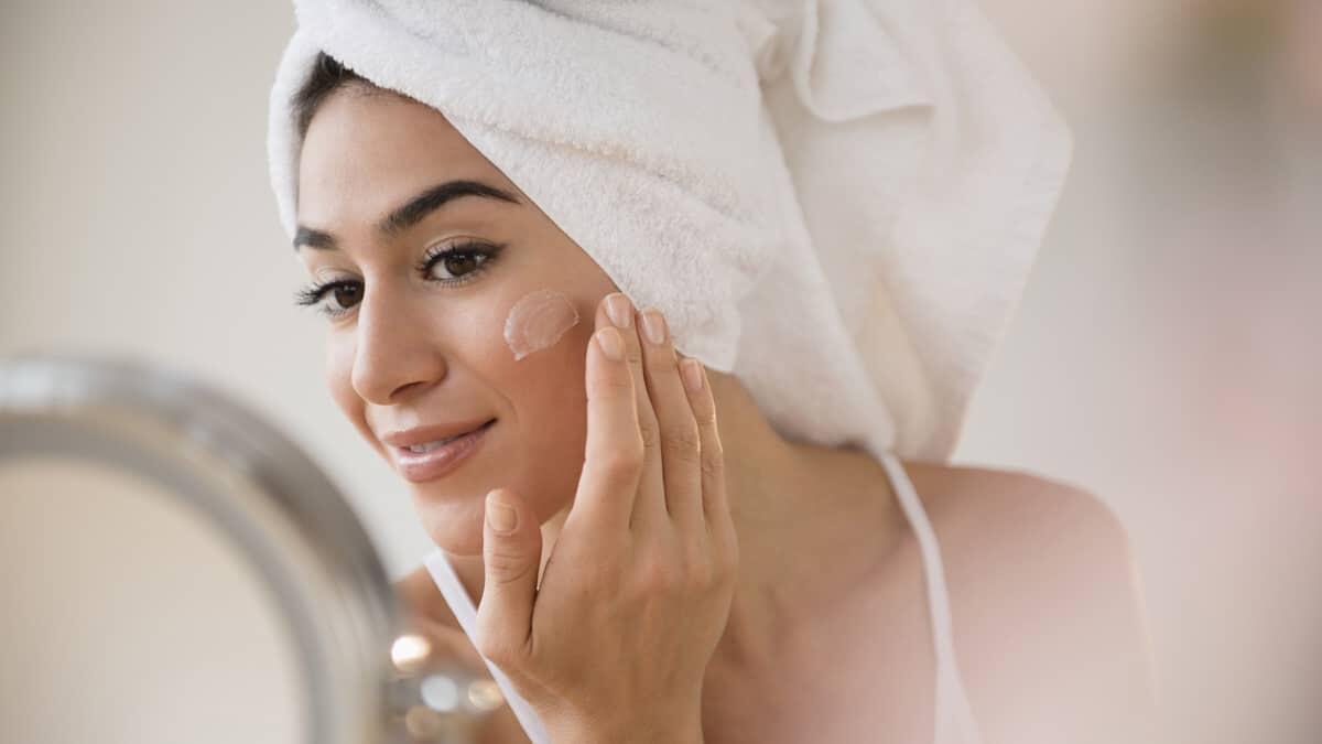 Skincare 101: Ketahui Ini Sebelum Memakai Retinol