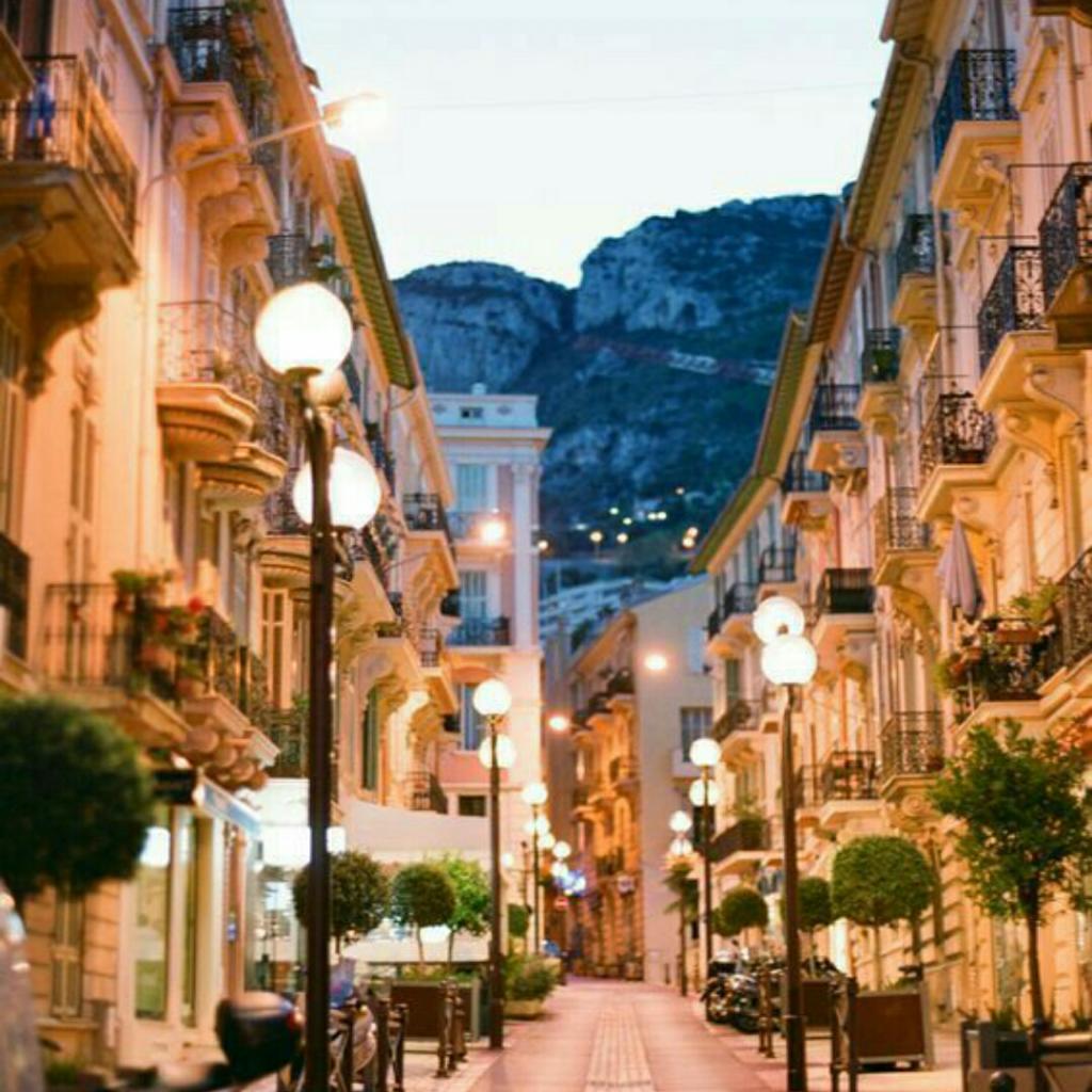 Monaco, Negara Kecil Tapi Sejahtera Yang Benderanya Sama Dengan Indonesia