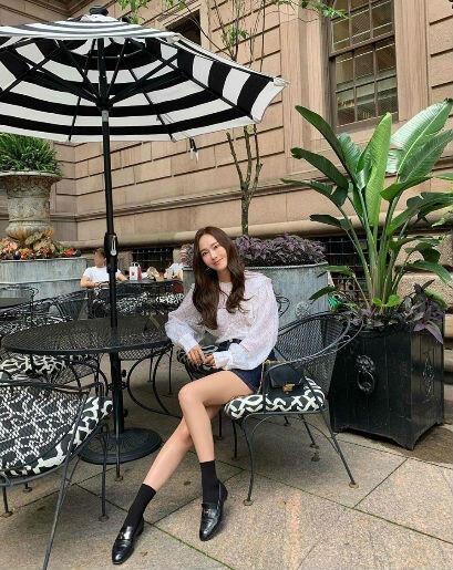 11 Ide Mix And Match Dengan Atasan Putih Ala Jessica Jung