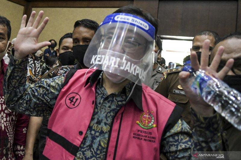 Aset Disita Kejagung, Benny Tjokro Mewek di Persidangan