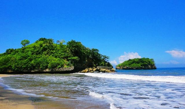 Mitos Seputar Pantai Bajulmati Bikin Merinding
