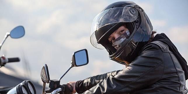 Ini Akibat Fatal Jika Pemotor Salah Pilih Masker Untuk Berkendara