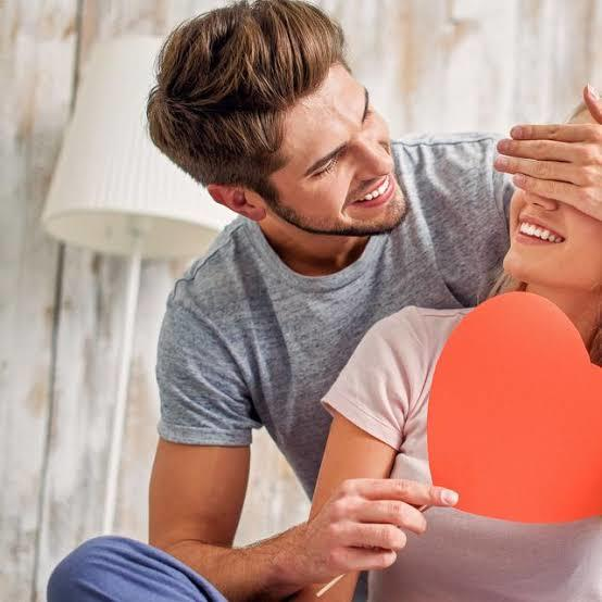 Oksitosin; Kenali Hormon Penyebab Jatuh Cinta