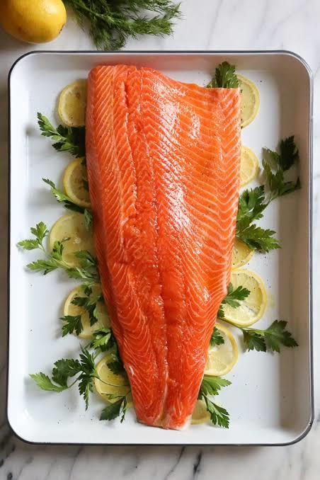 Muncul Kasus Baru Covid-19 di Beijing Berasal dari Salmon Impor