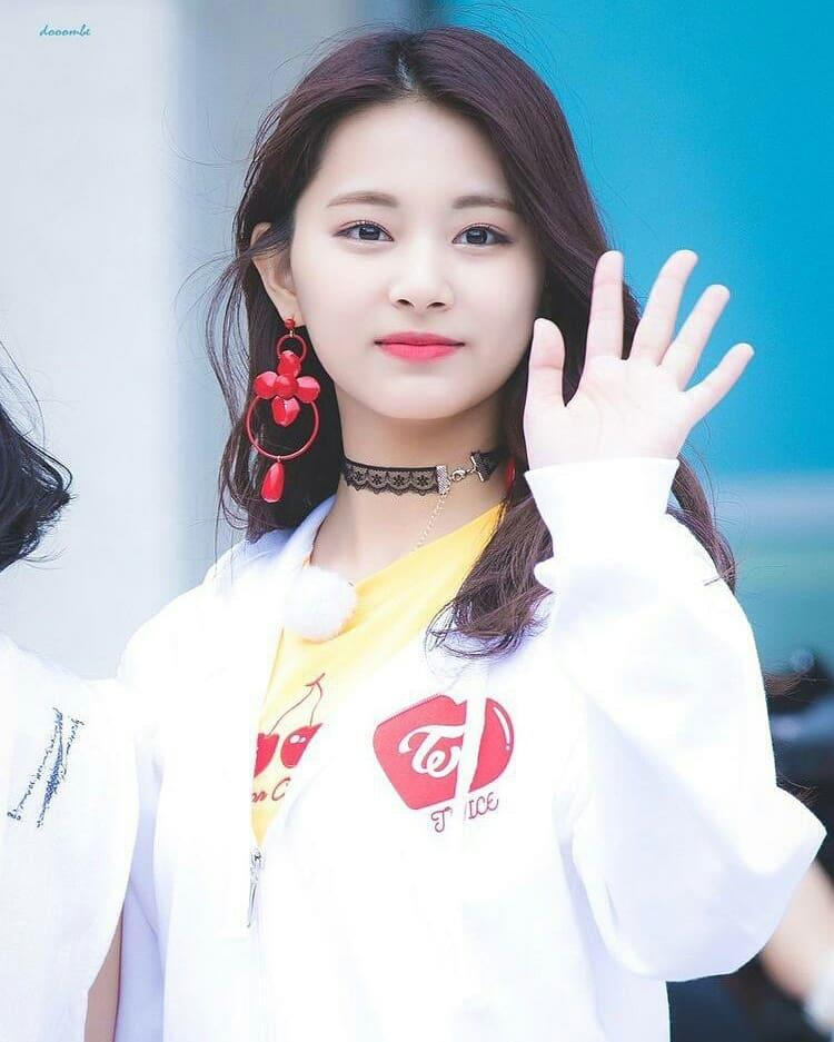Happy Tzuyu Day.