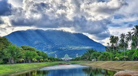 [COC Reg. Kepualuan Riau] Atap Tertinggi Di Pulau Natuna Itu Bernama Gunung Ranai