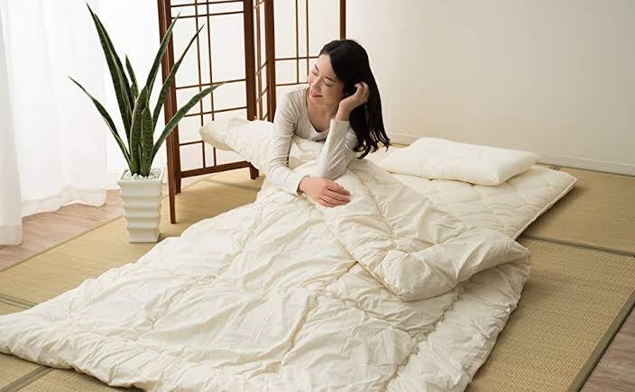 Yuk Mengenal Futon, Tempat Tidur Khas Jepang yang Sering Muncul di Film Dewasa