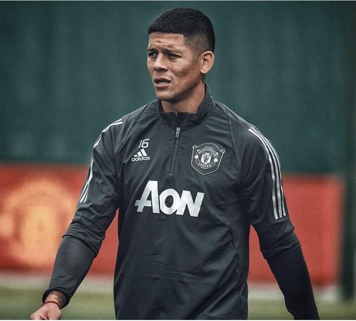 8.Pemain Yang Karirnya Meredup Bersama Manchester United