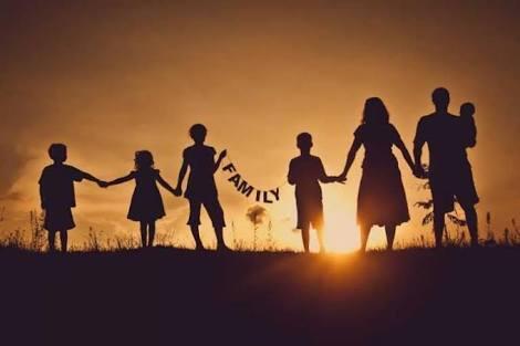 Keluarga Harmonis Impian Setiap Pasangan, Salahsatunya Berbagi Tugas , Kenapa Tidak?