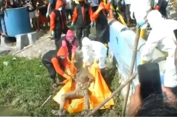 Warga Digegerkan Mayat Laki-Laki Mengapung di Sungai