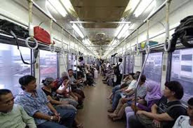 Hari Senin, PT KCI Operasikan Commuter Line Bukan dari Stasiun Awal