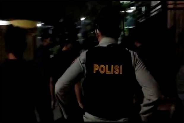 John Kei Ikut Diciduk Polisi Dalam Penggerebekan di Rumahnya