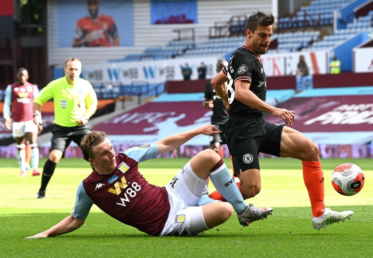 Olivier Giroud Bawa Chelsea Menang 2-1 atas Aston Villa