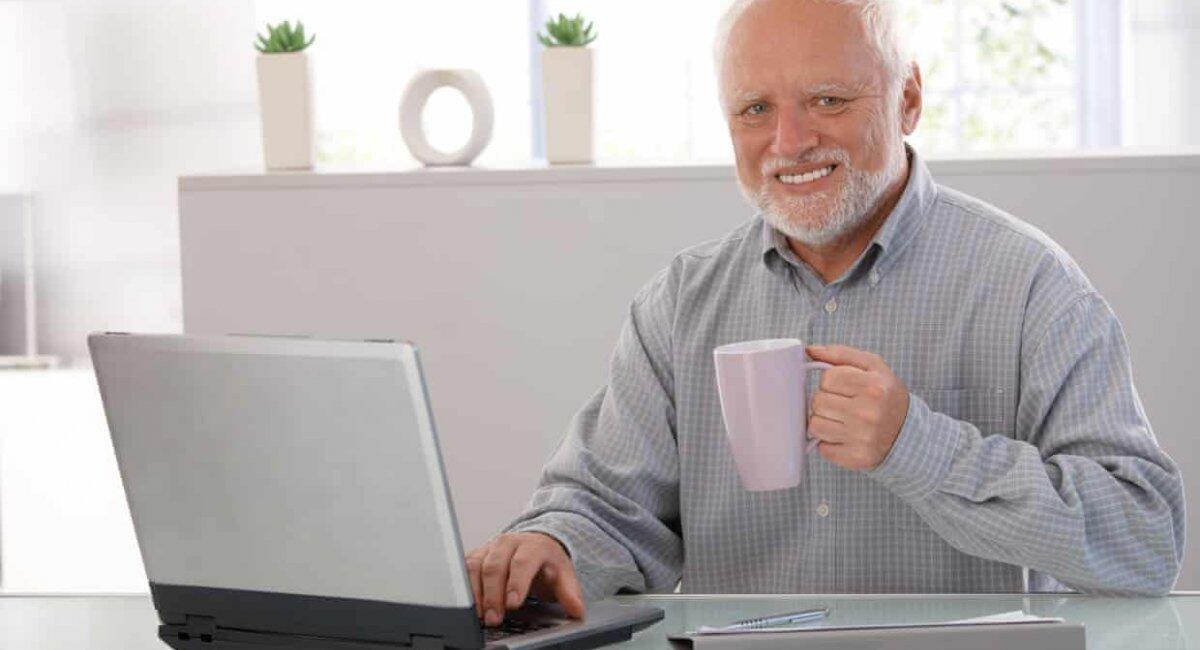 "Cerita dibalik meme ""Hide The Pain Harold"""