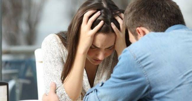 Mengetahui Sabahat Anda Sebagai Pelaku Selingkuh, Apa Yang Harus Anda Lakukan ?