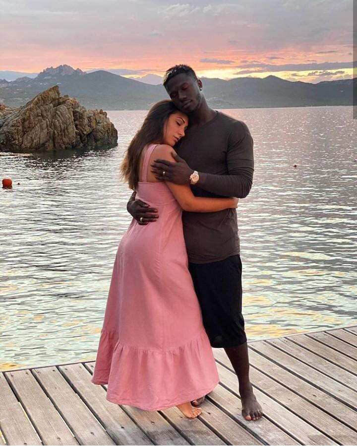 Ini Dia Pemain Dari Benua Afrika Yang Memiliki Pasangan Cantik