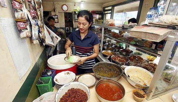 Pilih Mana Gan! Rumah Makan Padang Atau Warteg?