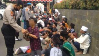 Puluhan Remaja Peserta Demo PA 212 Kebingungan Hingga Kelaparan