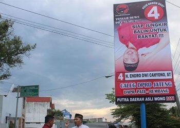 Baliho - Baliho Unik yang Pernah Ada di Indonesia