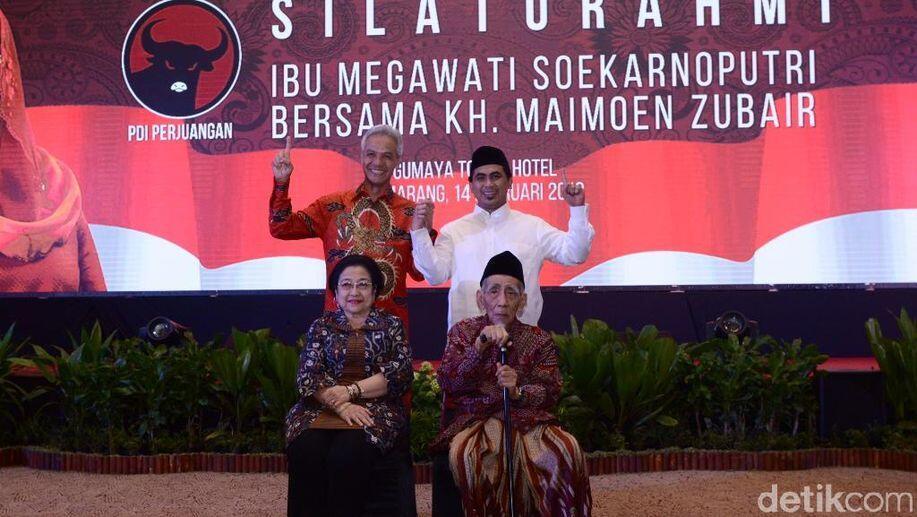 Bendera PDIP Dibakar, Ganjar Pranowo: Saya Bukan PKI!