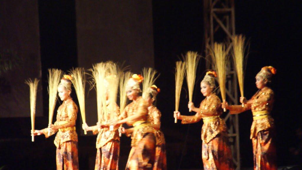 Mengenal Tari Khas Kepulauan Riau, Seni Budaya nan Memukau [#COC Reg. Kepulauan Riau]