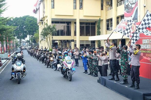 Baksos Hari Bhayangkara, Polda Jabar Salurkan 2.625 Paket Sembako