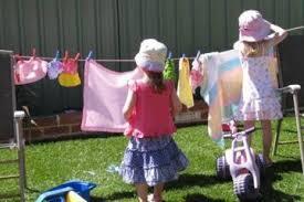"""Viral Status, """"Pisahkan Pakaian Suami dan Anak-anak Saat Dicuci!"""" Lebay Gak Sih?"""