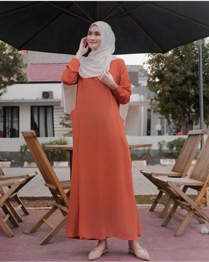 Menilik Potret-Potret Manisnya Nadya Fricella, Pemeran Nining di Amanah Wali 4
