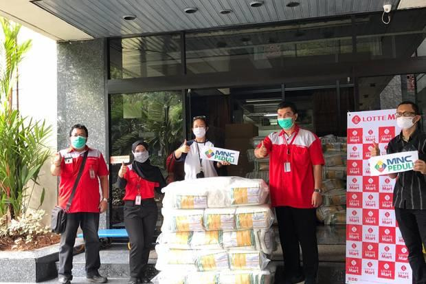 LotteMart Serahkan Bantuan 3.000 APD melalui MNC Peduli