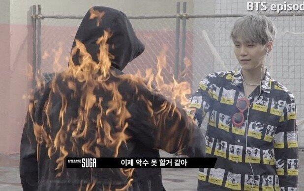 Netizen Terpukau dengan Pembuatan Set MV 'Stay Gold' Milik BTS!