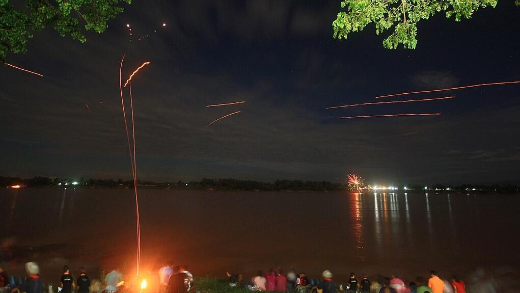 3 Festival yang Berkaitan dengan Api di Asia