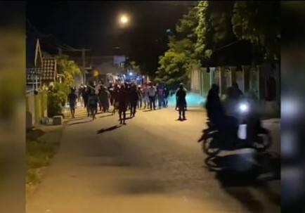 Dua Kelompok Pemuda Bersenjata Tajam Nyaris Tawuran