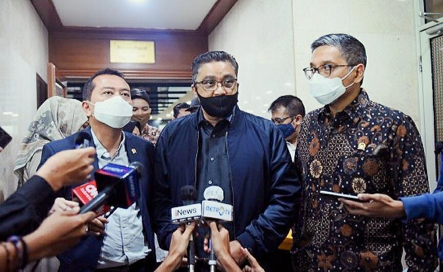 Pemprov Salah Soal PPDB, DPR: DKI Bukan Negara Lain, Harus Ikut Permendikbud