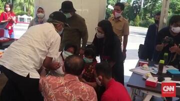 Bu Risma, Walikota Surabaya Sujud di depan IDI. Ada Apa Gerangan?