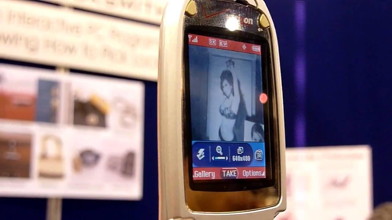 Fenomena Kamera Ponsel 'TEMBUS PANDANG' Di Era 2000an, Buat Ngintip?