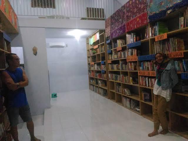 Cafe Perpustakaan Di Sangihe, Unik Dan Keren