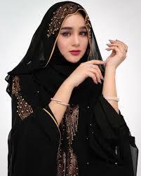 Hana Hanifah Rajin Salat, Manajer Tak Percaya Soal Prostitusi Online
