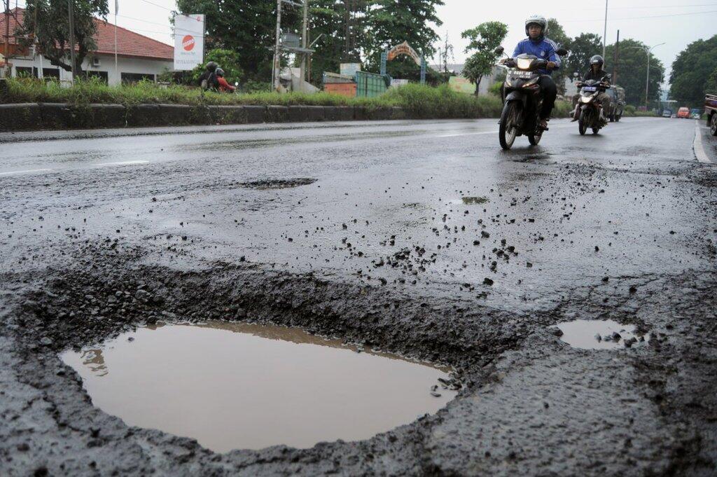 Tau Gak Sih, Kita Bisa Nuntut Pemerintah loh Kalau Ngebiarin Jalanan Rusak!