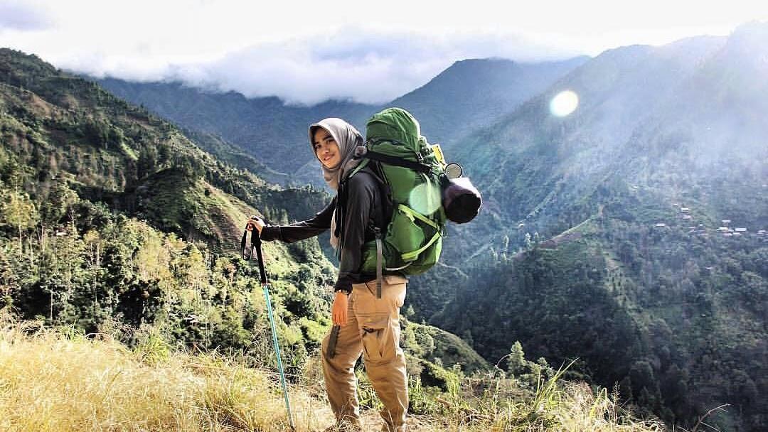 Penting, Ini Tips Mendaki Gunung Bagi Wanita Berhijab