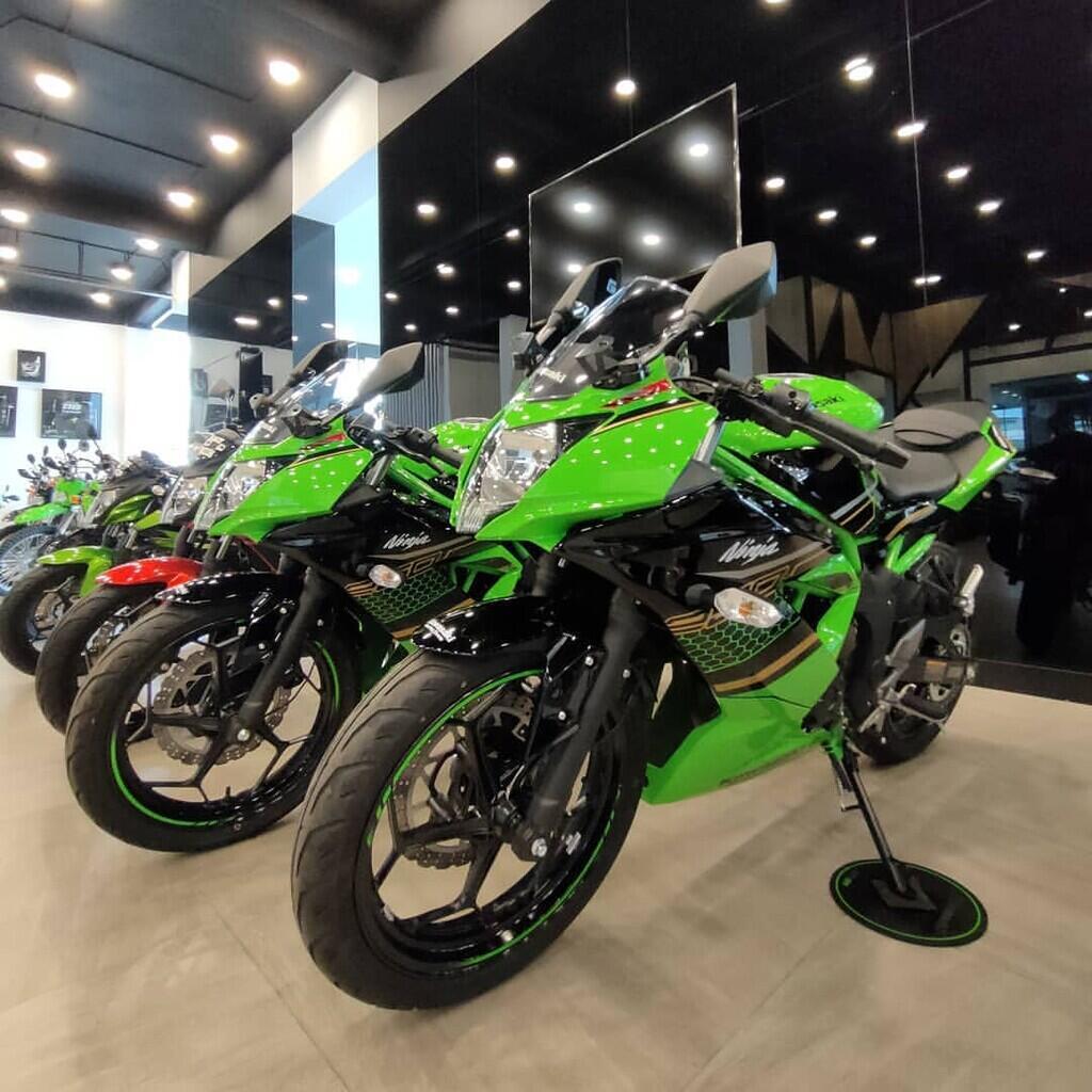 Showroom Dealer Resmi Cash Kredit Motor Kawasaki Melayani Jabodetabekser Ready Stock